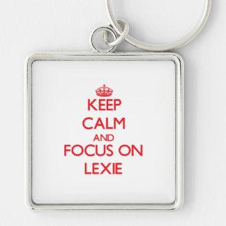 Guarde la calma y el foco en Lexie Llaveros Personalizados