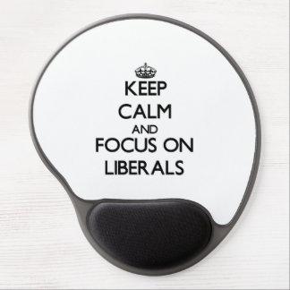 Guarde la calma y el foco en liberales alfombrilla de raton con gel