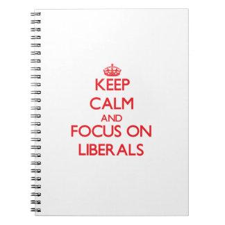 Guarde la calma y el foco en liberales libretas