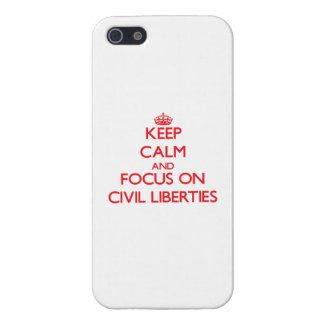 Guarde la calma y el foco en libertades civiles iPhone 5 cárcasas