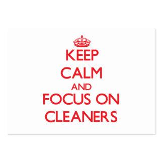 Guarde la calma y el foco en limpiadores tarjetas de visita grandes