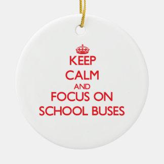 Guarde la calma y el foco en los autobuses adornos de navidad