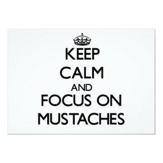 Guarde la calma y el foco en los bigotes invitación 12,7 x 17,8 cm