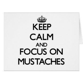 Guarde la calma y el foco en los bigotes tarjeta