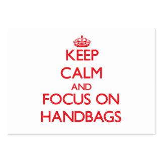Guarde la calma y el foco en los bolsos plantillas de tarjetas de visita