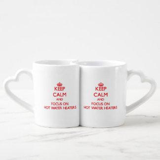 Guarde la calma y el foco en los calentadores de taza para enamorados