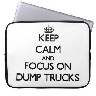 Guarde la calma y el foco en los camiones volquete