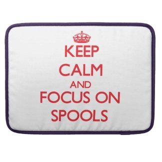 Guarde la calma y el foco en los carretes fundas para macbooks