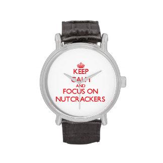 Guarde la calma y el foco en los cascanueces relojes de mano