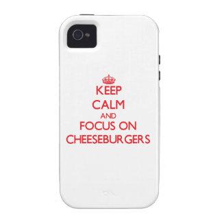 Guarde la calma y el foco en los cheeseburgers vibe iPhone 4 carcasa