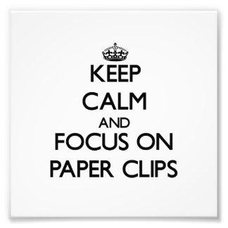 Guarde la calma y el foco en los clips de papel arte fotográfico