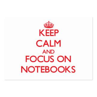 Guarde la calma y el foco en los cuadernos tarjetas de visita grandes