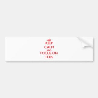Guarde la calma y el foco en los dedos del pie pegatina de parachoque