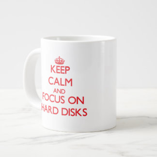 Guarde la calma y el foco en los discos duros taza grande