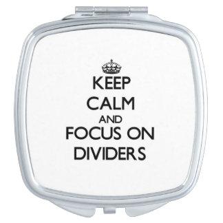 Guarde la calma y el foco en los divisores espejos maquillaje