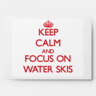 Guarde la calma y el foco en los esquíes acuáticos