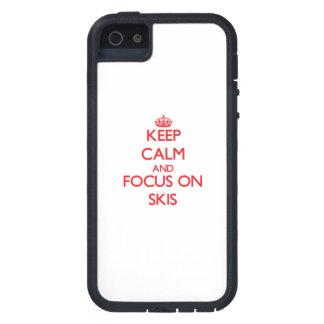 Guarde la calma y el foco en los esquís iPhone 5 protector