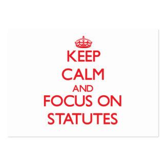 Guarde la calma y el foco en los estatutos tarjetas de visita grandes
