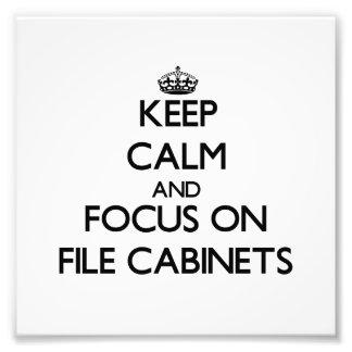 Guarde la calma y el foco en los gabinetes de fich