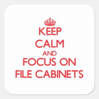 Guarde la calma y el foco en los gabinetes de pegatina cuadrada