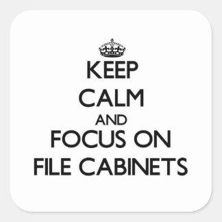 Guarde la calma y el foco en los gabinetes de colcomanias cuadradass