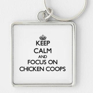 Guarde la calma y el foco en los gallineros de pol llaveros personalizados