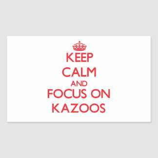 Guarde la calma y el foco en los Kazoos Pegatina Rectangular