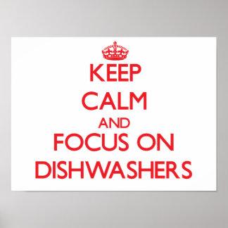 Guarde la calma y el foco en los lavaplatos posters