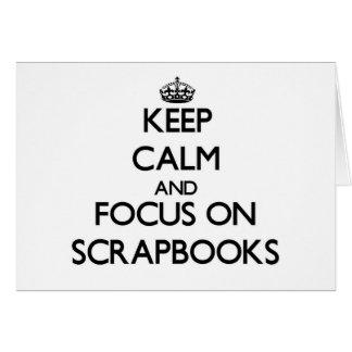 Guarde la calma y el foco en los libros de tarjeta pequeña