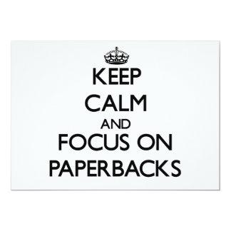 Guarde la calma y el foco en los libros en rústica comunicado personalizado