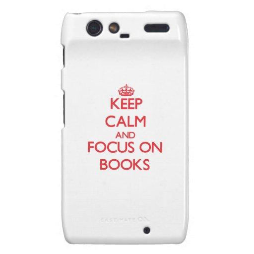 Guarde la calma y el foco en los libros droid RAZR funda