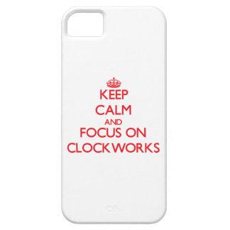 Guarde la calma y el foco en los mecanismos iPhone 5 protectores