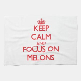 Guarde la calma y el foco en los melones toalla