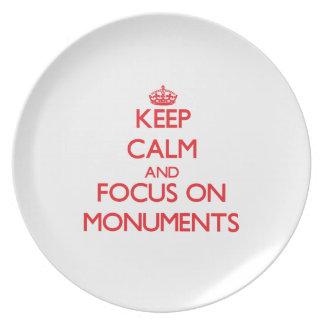 Guarde la calma y el foco en los monumentos