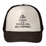 Guarde la calma y el foco en los paprikas gorras de camionero