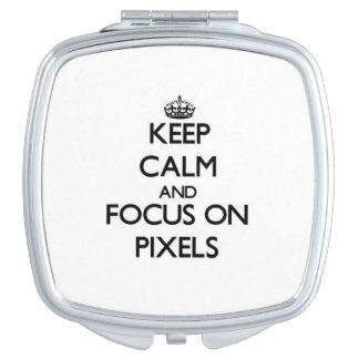 Guarde la calma y el foco en los pixeles espejo maquillaje