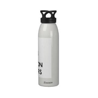 Guarde la calma y el foco en los polímeros botella de agua