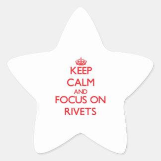 Guarde la calma y el foco en los remaches pegatinas forma de estrella