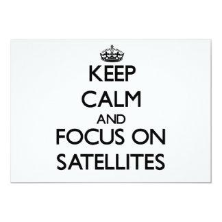"""Guarde la calma y el foco en los satélites invitación 5"""" x 7"""""""