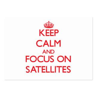 Guarde la calma y el foco en los satélites tarjetas de visita