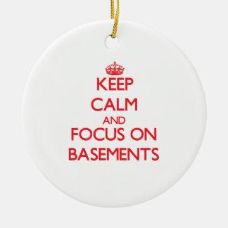 Guarde la calma y el foco en los sótanos adorno de navidad