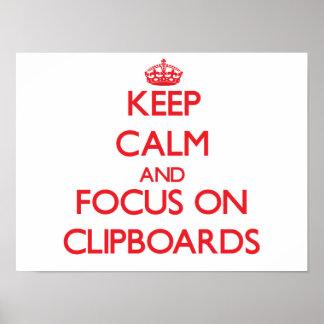 Guarde la calma y el foco en los tableros posters