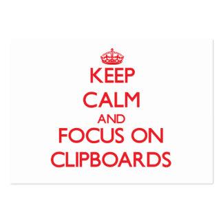 Guarde la calma y el foco en los tableros tarjetas de visita grandes