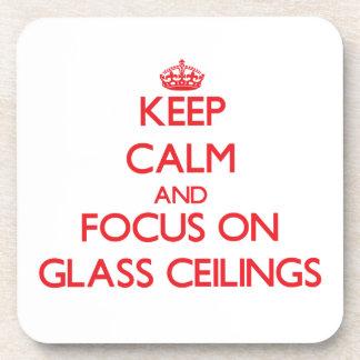 Guarde la calma y el foco en los techos de cristal