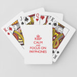 Guarde la calma y el foco en los teléfonos cartas de póquer