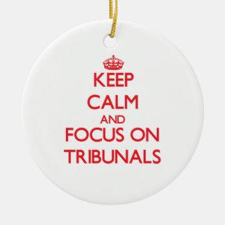 Guarde la calma y el foco en los tribunales ornamentos para reyes magos