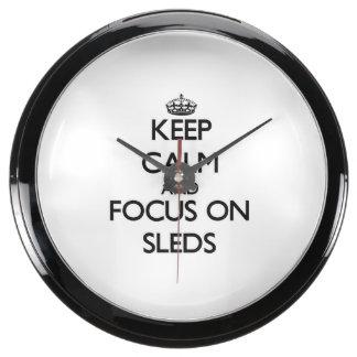 Guarde la calma y el foco en los trineos reloj aqua clock