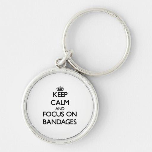 Guarde la calma y el foco en los vendajes llavero personalizado