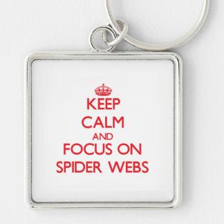 Guarde la calma y el foco en los Web de araña Llavero Personalizado