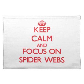 Guarde la calma y el foco en los Web de araña Manteles Individuales